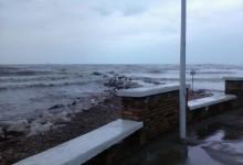 """In riva al mare e in un giorno di pioggia in cerca di poesia (e qualche notizia sui folletti del """"Piccolo Popolo"""")"""